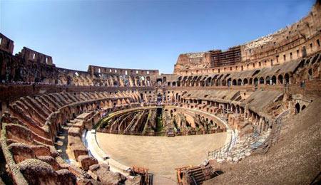 معماري تماشاخانه و شيوه اجرا در تئاتر يونان باستان